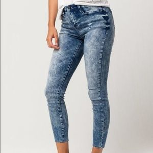 Vanilla Star Premium Acid Wash Ankle Jeans Sz 5